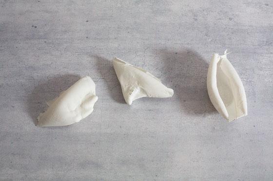 Joanna Apanowicz, Porcelanokruchy, 2013, ręcznie budowana porcelana, unikat