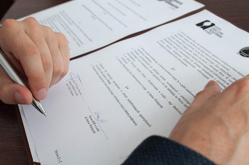 Podpisanie Listu Intencyjnego  z Prezesem Regionalnej Izby Budownictwa w Łodzi dr. Januszem Wdzięczakiem